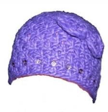 Плетена лилава шапка
